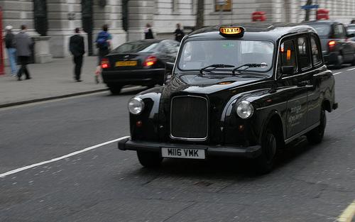 世界の旅行者が投票したタクシー・サービスのランキング