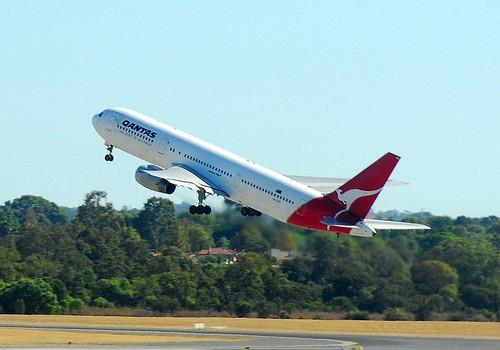 世界で最も安全な航空会社は? 2015年版 最も安全な航空会社 トップ10 by AirlineRatings.com